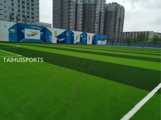 Eco Friendly Commercial Artificial Turf Infill Provide Safety UV Resistant For Sports Quality Low Bulk Density 12